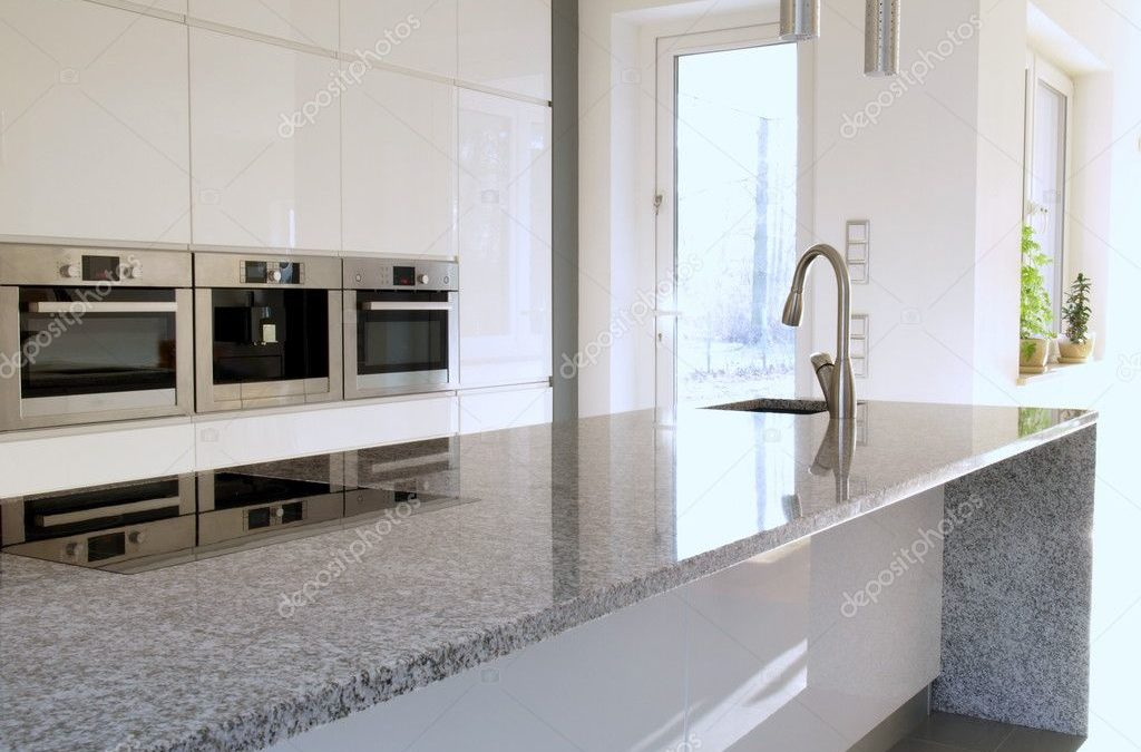 Best Cleaners for Granite Countertops 2021 (With How to Use Guides)
